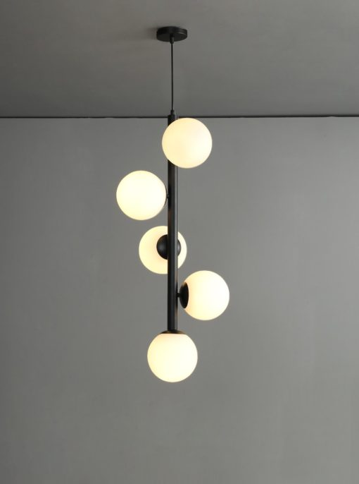 Linear glass pendant light