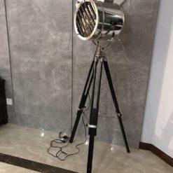 Alfred Tripod Floor lamp
